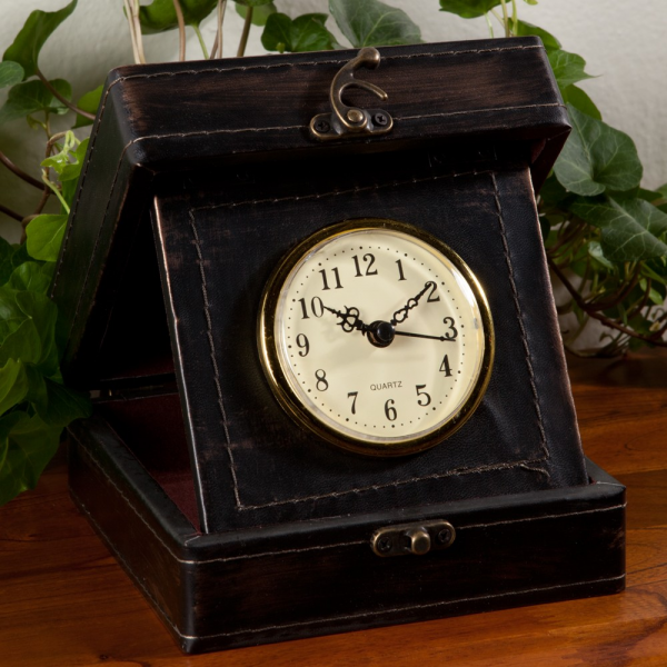 Vintage Travel Clock | Sturbridge Yankee Workshop