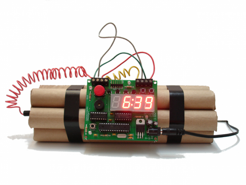Dynamite Alarm Clock That Has To Be Defused In Order To Turn Off
