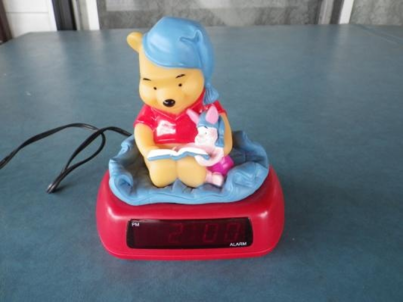DISNEY WINNIE THE POOH ALARM CLOCK FREE SHIPPING FREE PHOTONS