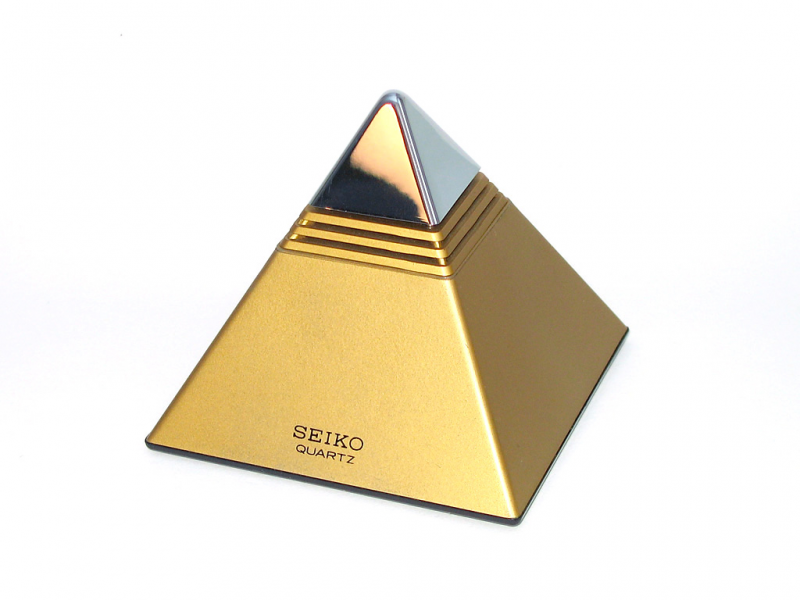 Description Seiko pyramid talking clock.jpg