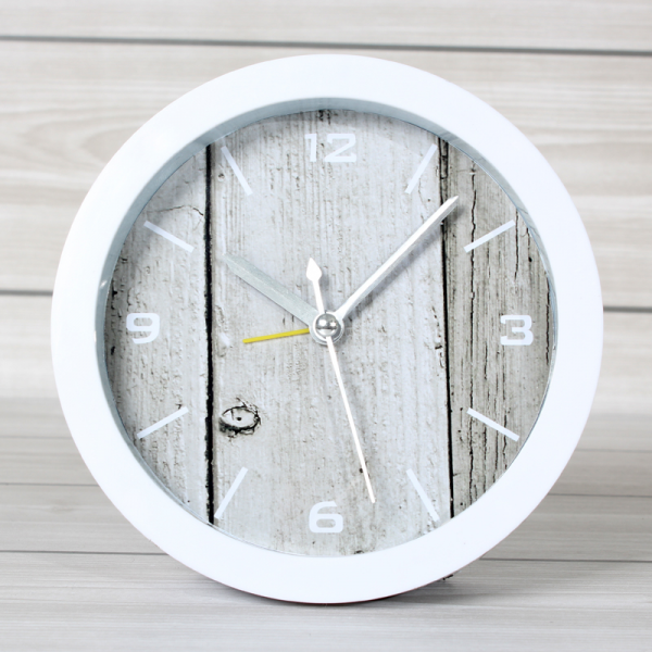... creative-small-alarm-clocks-seat-sit-table-clock-simple-atmospheric