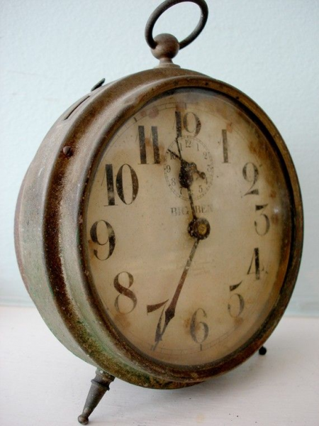 Perfectly Rusty Grungy Shabby Vintage Big Ben Alarm Clock