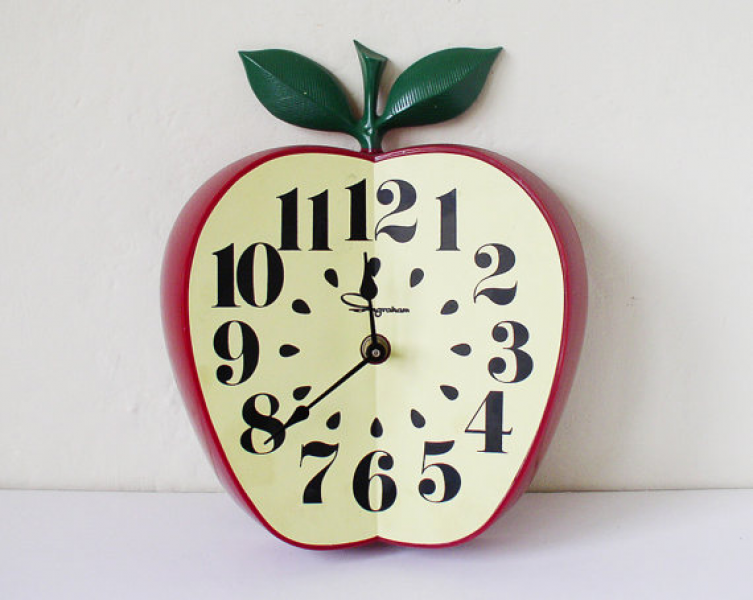 Vintage apple-shaped wall clock by kitschcafe on Etsy