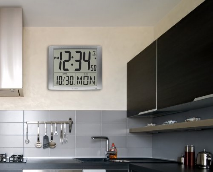 ... Large 16 Inch Atomic Digital Wall Clock from La Crosse Technology