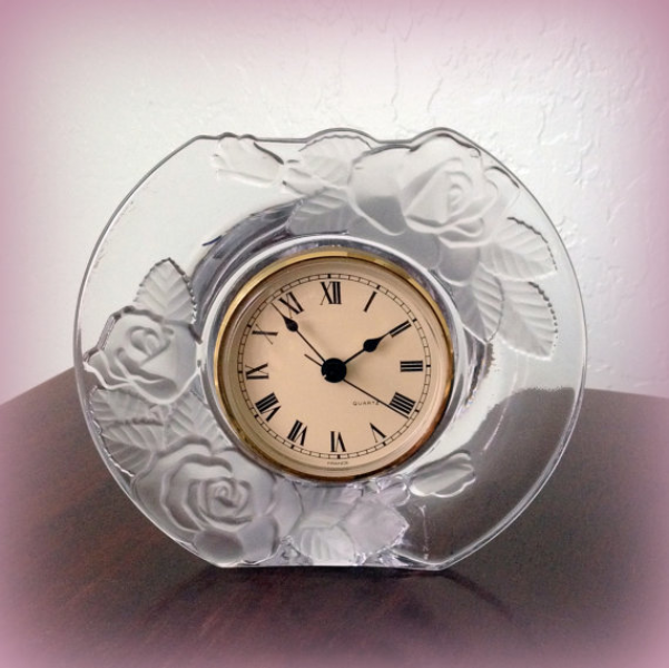 Quartz Clock Ladies Clock from France by izzysvintagegarden
