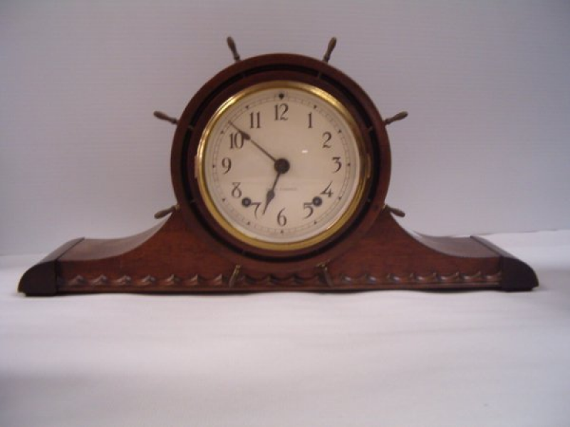 1084: SETH THOMAS MANTEL CLOCK W/ SHIPS WHEEL