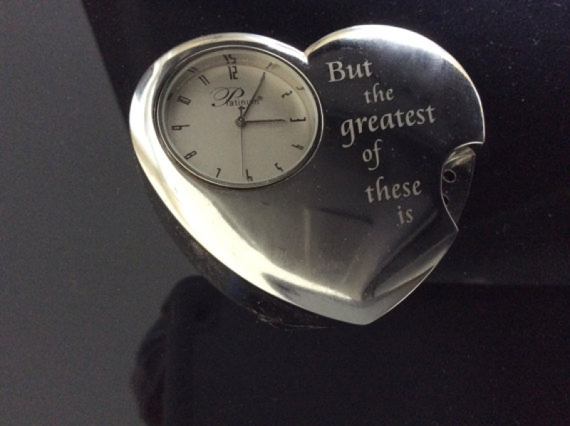 Small Heart Shape Desk/Counter/Table Top Platinum Clock With A China ...