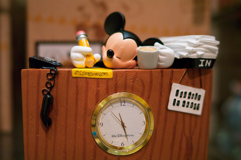 Mickey Mouse desk clock | Flickr - Photo Sharing!