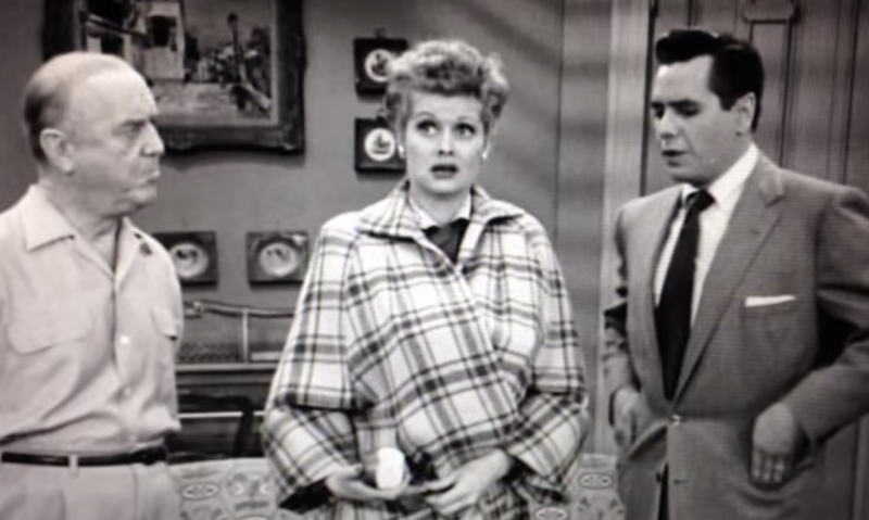 Love Lucy S01 E27 – The Kleptomaniac | WTF Lucy
