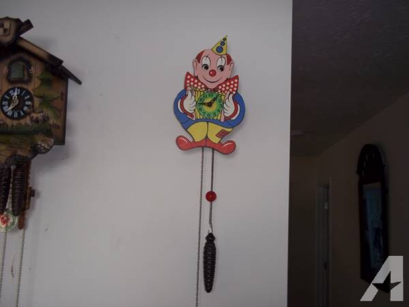 Vintage West German Moving Eye Clown Cuckoo Clock for sale in Waverly ...