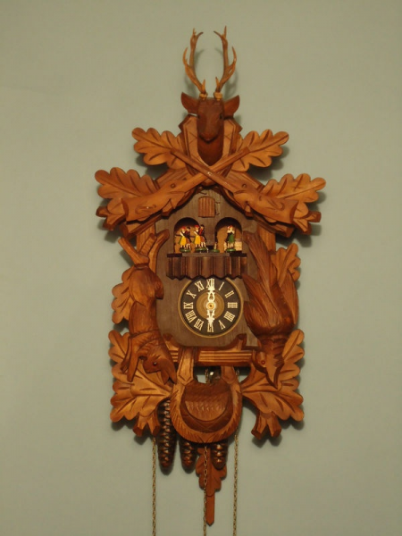 Vintage Hunter Style Cuckoo Clock Oak Leaf Musical Cuckoo Swiss Music ...
