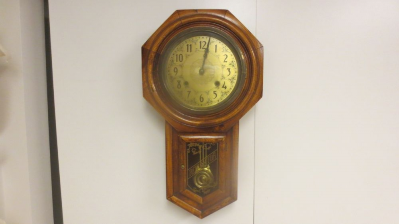 ... Schoolhouse Regulator Wall Clock Key Wind Pendulum Hour Chime | eBay
