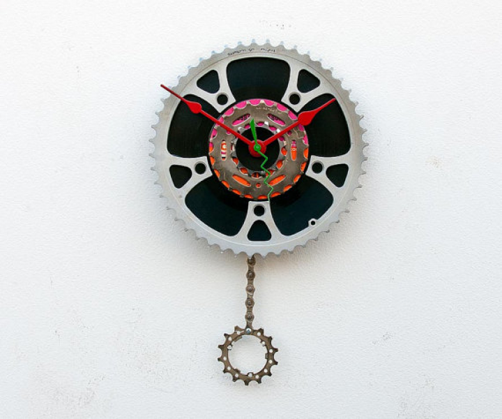Recycled Bike Chain Gear Pendulum Clock by pixelthis on Etsy