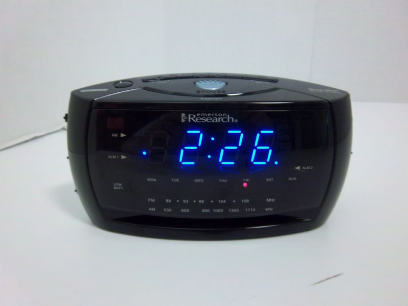 Emerson Research Smartset Dual Alarm Clock Radio CKS3048 | eBay
