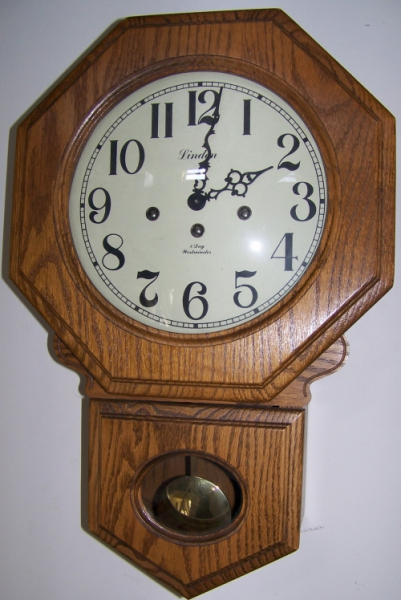 Linden Schoolhouse Chime Clock