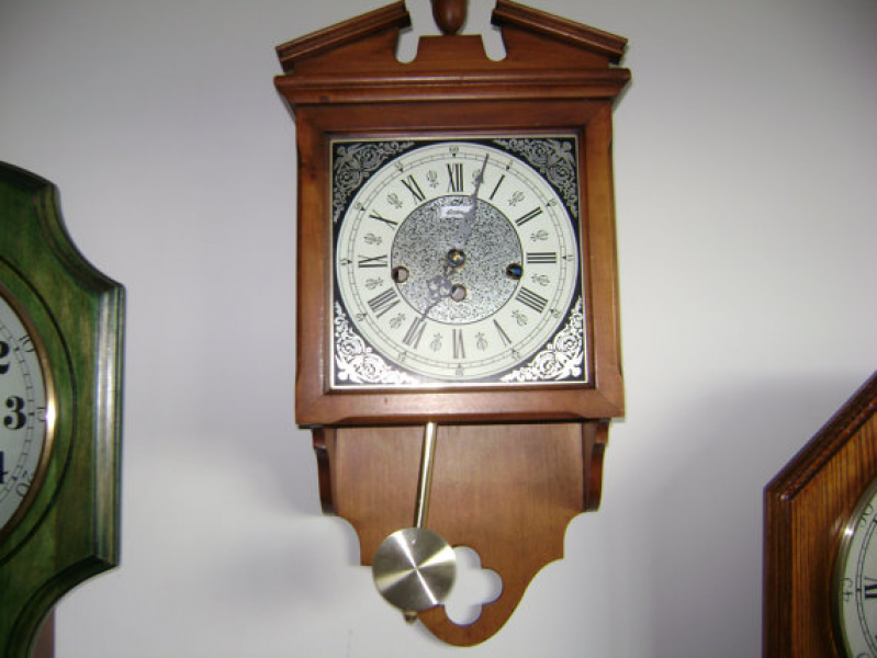 Items similar to Vintage Linden Wall Clock with Pendulum on Etsy