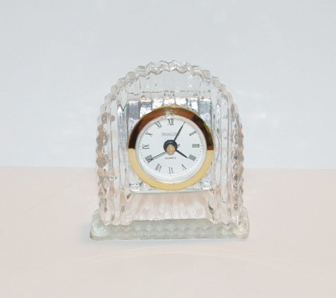 Michael C. Fina Fifth Avenue Lead Crystal Desk Clock - T344