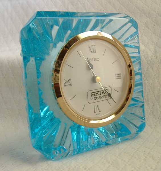 Seiko Blue Sculptured Glass Quartz Desk/table Clock Model #QQZ005L