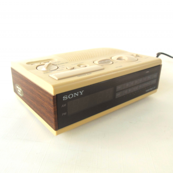 Sony Dream Machine Alarm Clock Radio ICF-C4W by LaurasLastDitch
