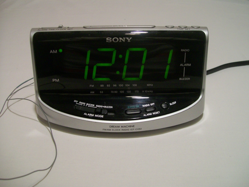Sony Dream Machine ICF-C492 Alarm Clock Radio - Radios