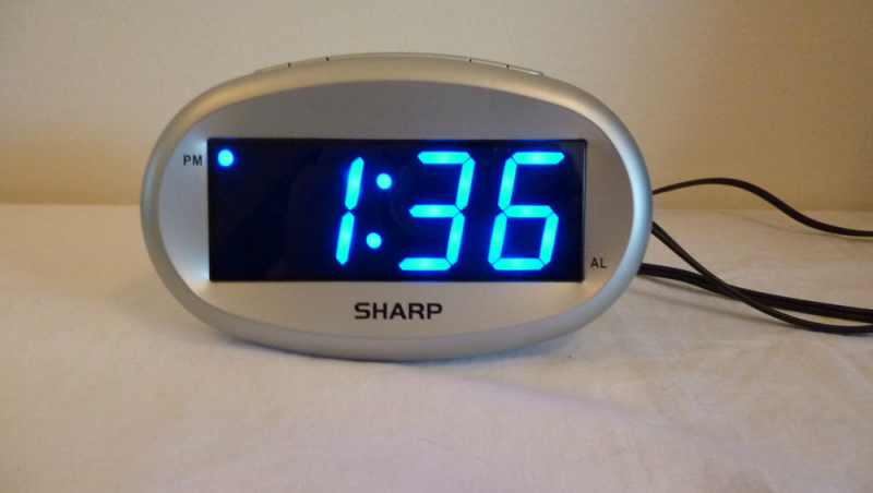 Sharp Blue LED Alarm Clock with Dimmer Large Blue LED Display SPC 073 ...