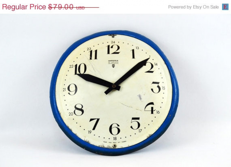 ON SALE Art Deco metal mechanical wind up wall clock by ilkandco