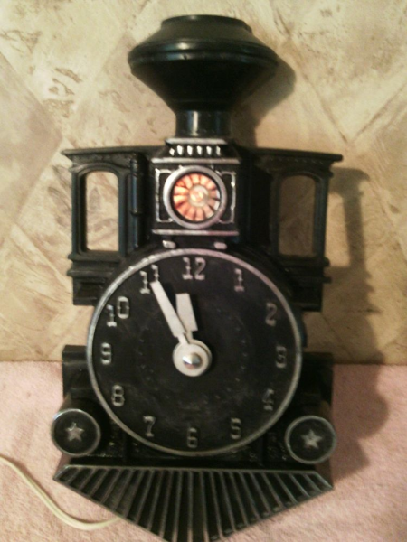 ... Mastercrafters Railroad Train Engine Wall Clock w Light Works | eBay