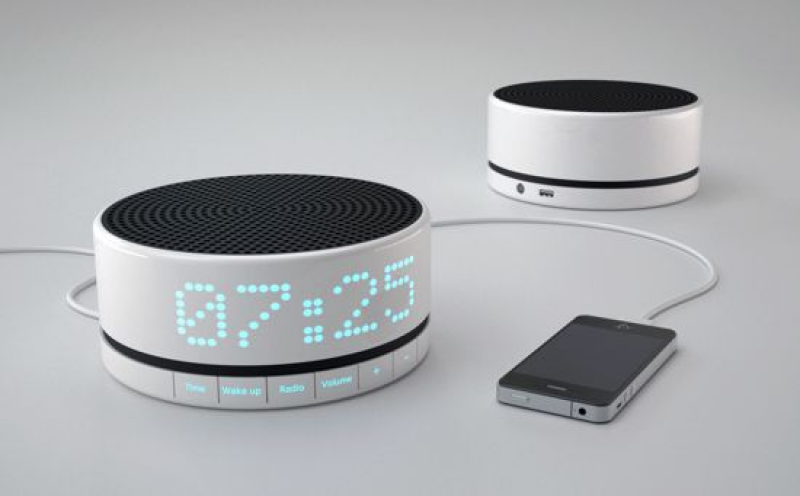the smartphones featuring alarm clock functions standard digital alarm ...
