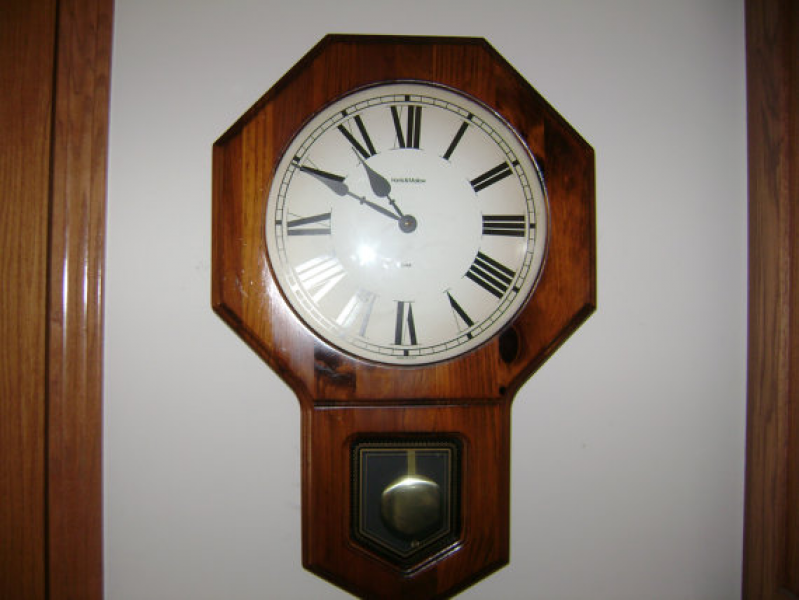 Vintage Verichron Wall Clock with chime and Pendulum by KlockWize