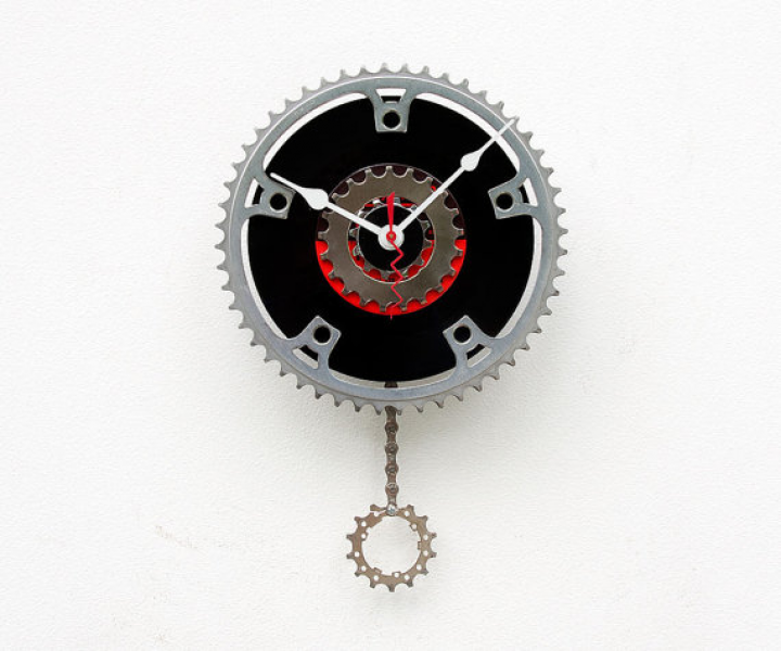 Recycled Bike Chain ring and 45 Record Clock by pixelthis on Etsy