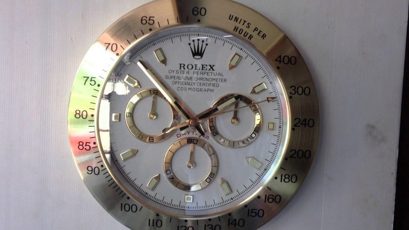 ROLEX DAYTONA GOLD SHOWROOM DISPLAY WALL CLOCK - YouTube