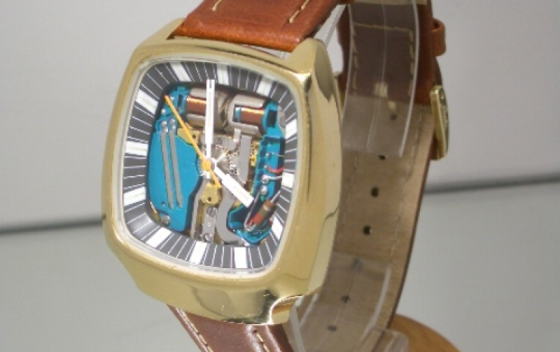 The Watch Lounge Christmas Giveaway - Win This Vintage Bulova Accutron ...