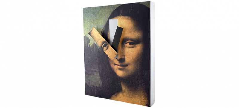 Mona Lisa Wall Clock That Reconstructs the Masterpiece Over Time