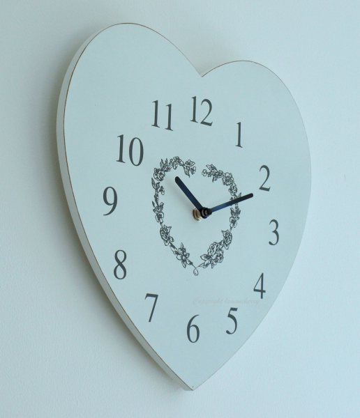 Kitchen Wall Clock - Chic & Shabby Distressed Style Wooden Heart Clock ...