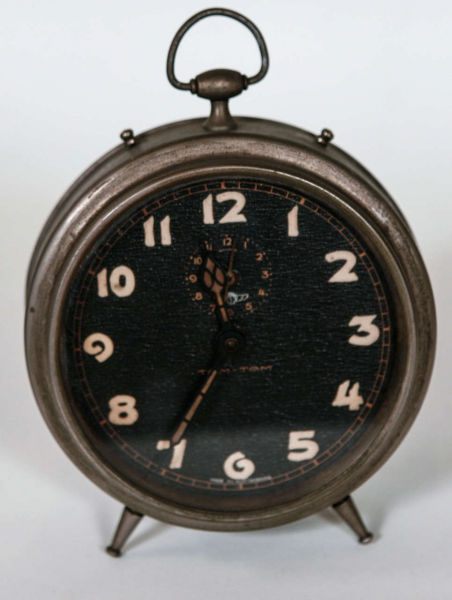 Collection of Seven Mantle Clocks image 3