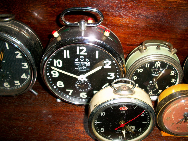 have a vast of 3 in 1 alarm clock and normal alarm clock collection ...