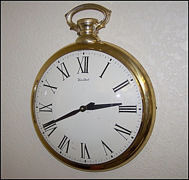 1958 United Large Gold Pocket Watch Wall Clock (Image1)