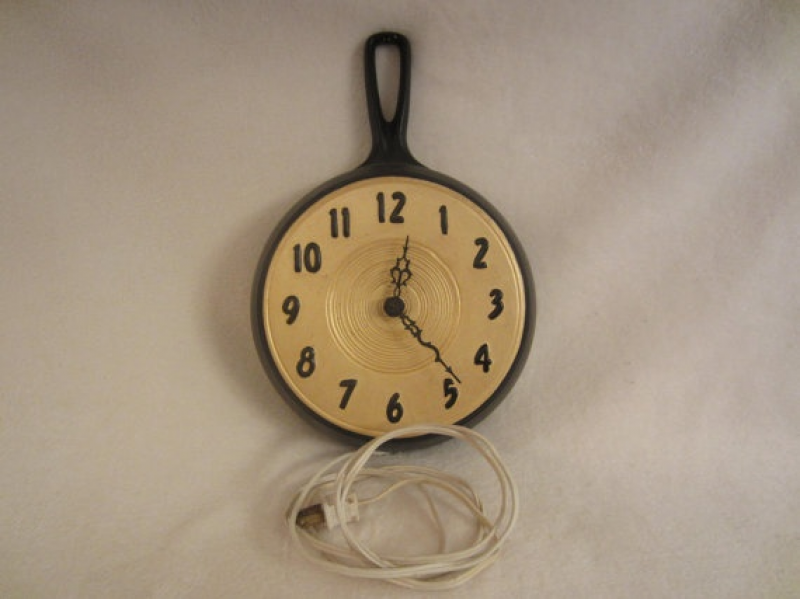 cast iron pan as clock base | wall clock s | Pinterest