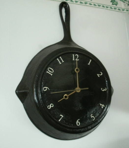 DIY Fry Pan Clock | Klockit's Blog
