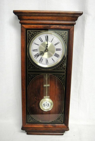 Details about Verichron Quartz Wall Hanging Clock w/ Westminster Chime