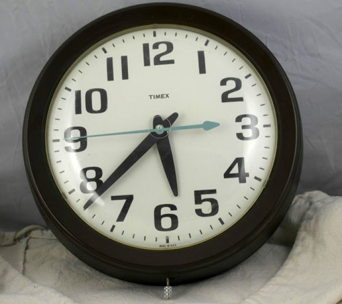 "... 10 ½"" Timex Electric Quartz School Clock Wall Clock 