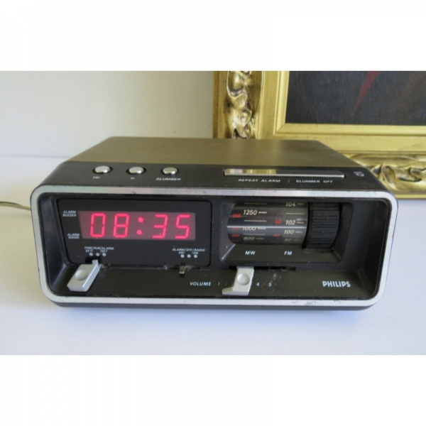 ... Vintage Classic 80's Philips Radio Alarm Clock With Red Led Display