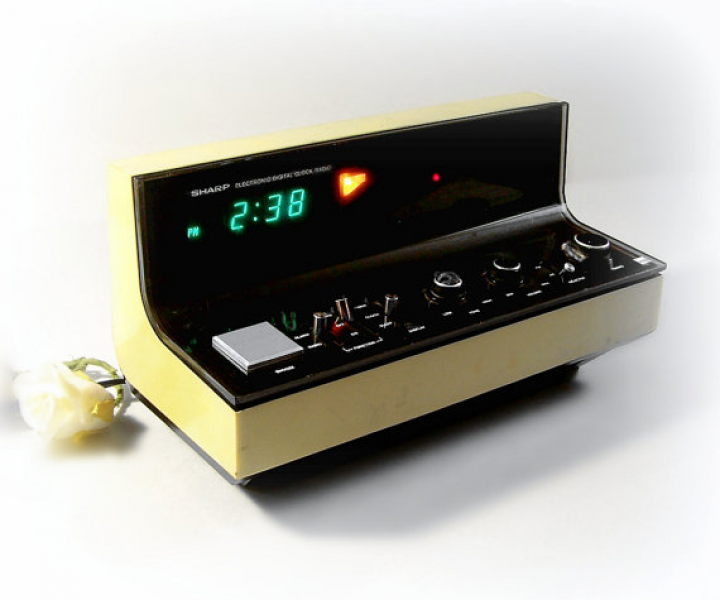 Retro Electronic Digital Clock Radio, Yellow and Black by Sharp model ...