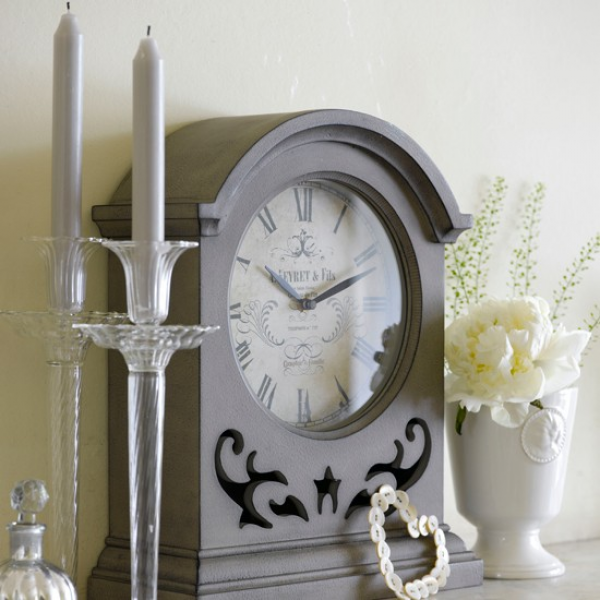 Keep time with a chic mantel clock | Cosy fireplace ideas - 10 of the ...