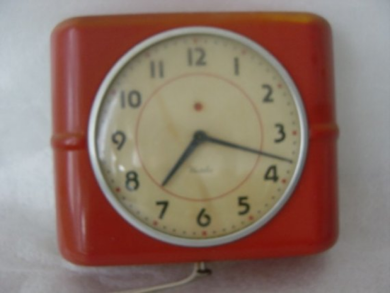 ... square vintage kitchen table electric westclock Westclox wall clock