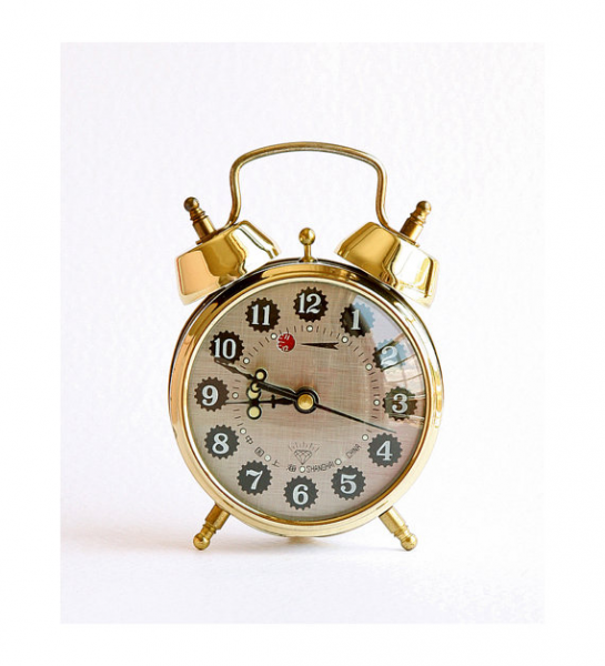 Vintage Alarm Clock Mechanical twin bell desk clock Cute table clock ...