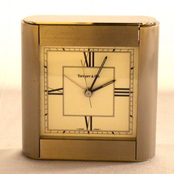 4047: TIFFANY DESK CLOCK Battery operated Swi : Lot 4047
