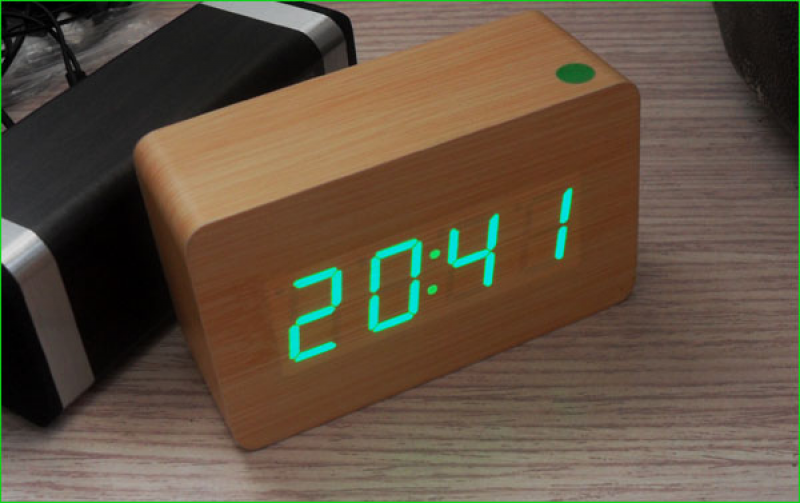 ... display desk clock digital alarm clock mini Electric clock usb + AAA