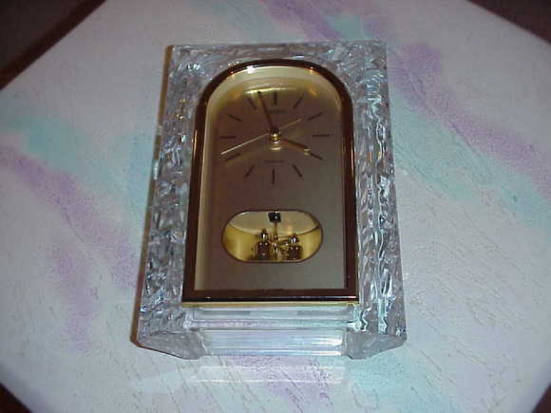 Seiko Quartz Mantel Clock (Crystal Like Design) for sale