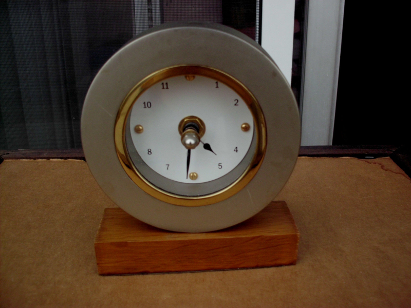 SHINFUKU QUARTZ DESK MANTLE SHELF CLOCK
